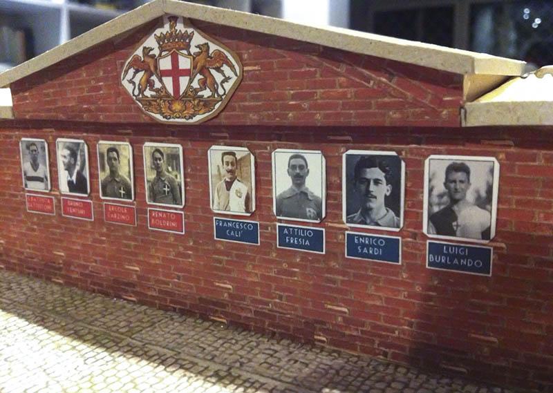 """Tra le foto di alcune bandiere di Samp e Doria, quella del mitico Francesco """"Franz"""" Calì"""
